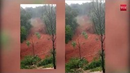Kerala floods: Massive landslide in Kannur District caught on camera