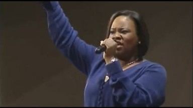 """Break Every Chain"" – Tasha Cobbs (First Baptist Church of Glenarden)"