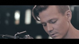 Coldplay - Yellow (Tyler Ward Cover)